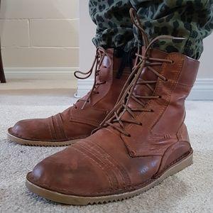 Chukka/desert style leather boots.